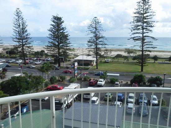 Kirra Beach Apartments: ocean views