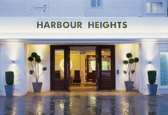 Harbour Heights Hotel: The hotel entrance