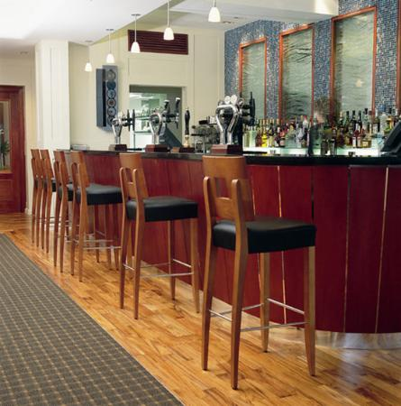 Harbour Heights Hotel: Bar