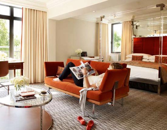 The Athenaeum Hotel & Residences Photo