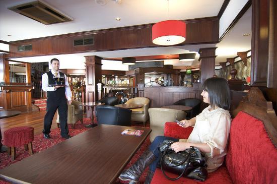 Park Avenue Hotel: Gelston SBar