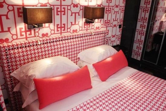 Hotel Monceau Elysees: GUEST ROOM