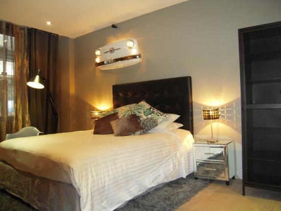 """Hotel Tour d'Auvergne: Room """"Fiat Ensemble"""""""