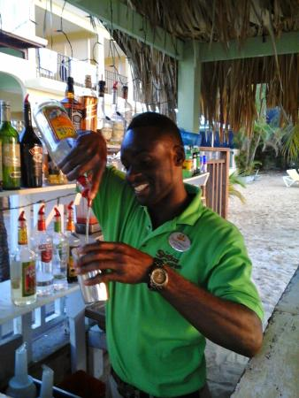 SuperClubs Rooms on the Beach Negril: Beach bar