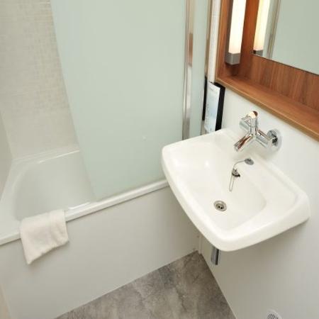 Taissy, Γαλλία: Bathroom