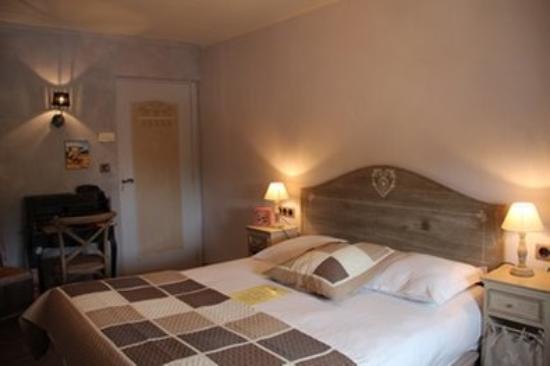 HOTEL DU PARC : Guest room