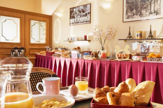 Timhotel Tour Eiffel : Buffet Breakfast