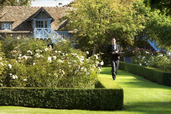 La Ferme Saint Simeon - Relais et Chateaux: Garden