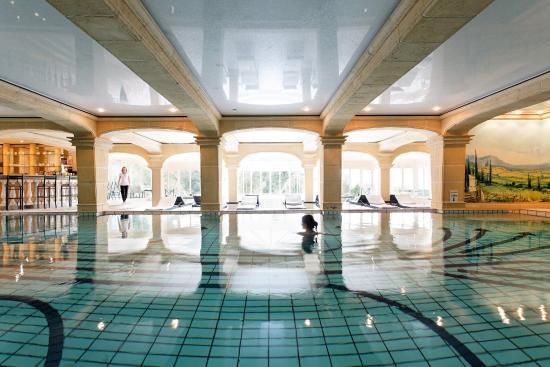 La Ferme Saint Simeon - Relais et Chateaux: Swimming Pool