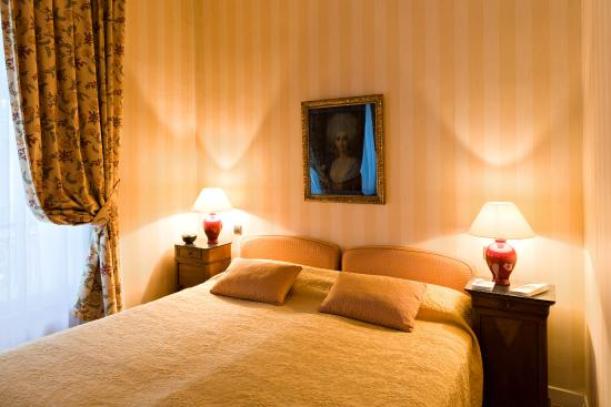 Hotel d'Orsay - Paris: Guest room