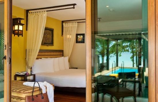 Andaman White Beach Resort: Beach Front Pool Villa
