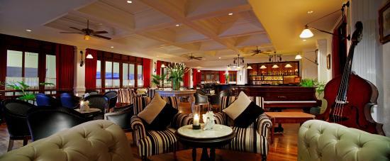 Centara Grand Beach Resort & Villas Hua Hin: Elephant Bar