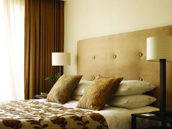 Lyall Hotel and Spa: Bedroom of One and Two Bedroom Suites