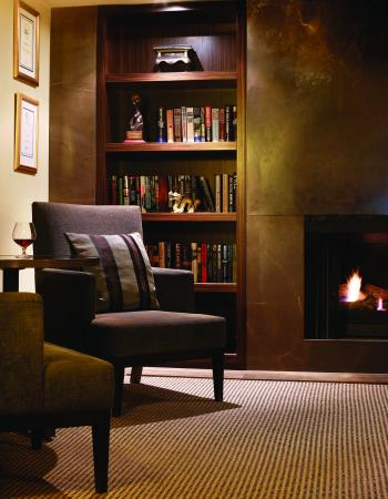 Lyall Hotel and Spa: The Library