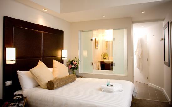 Amora Hotel Riverwalk Melbourne: King Spa Suite