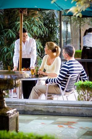 Amora Hotel Riverwalk Melbourne: Restaurant