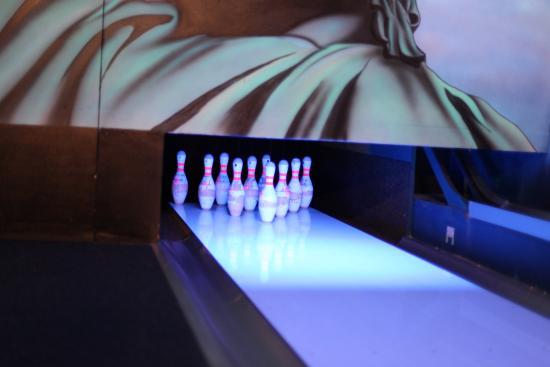 Sunstar Alpine Hotel Arosa: Sunstar Hotel Arosa Bowling