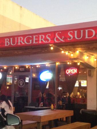 Burgers & Suds