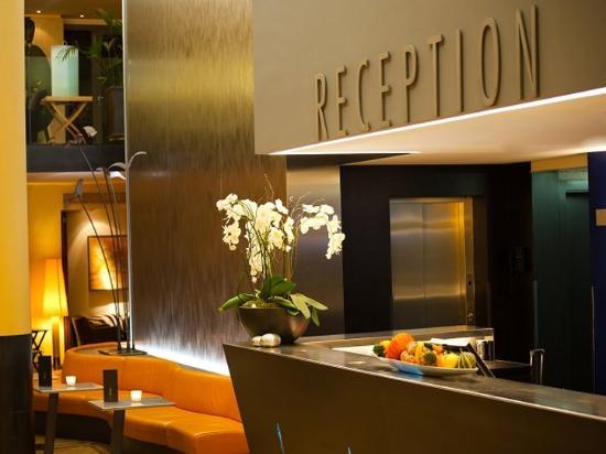 Central Plaza Hotel : Lobby