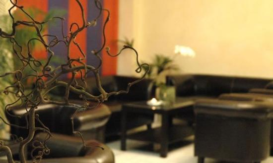 Hotel Real: Lobby View