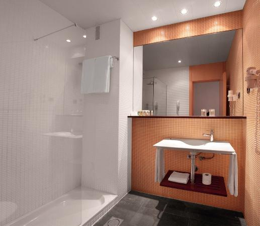 Onix Liceo Hotel: Bathroom