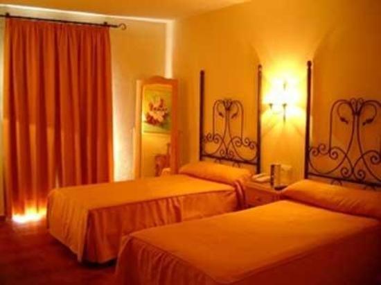 Alboran Chiclana: Guest Room