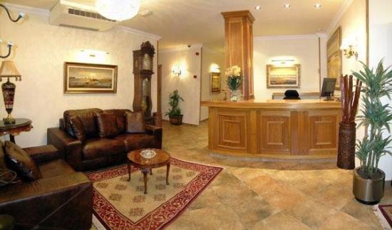 Hospederia Villaescusa: Lobby View