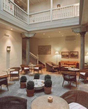Hotel Palacio de Los Navas: Lobby View