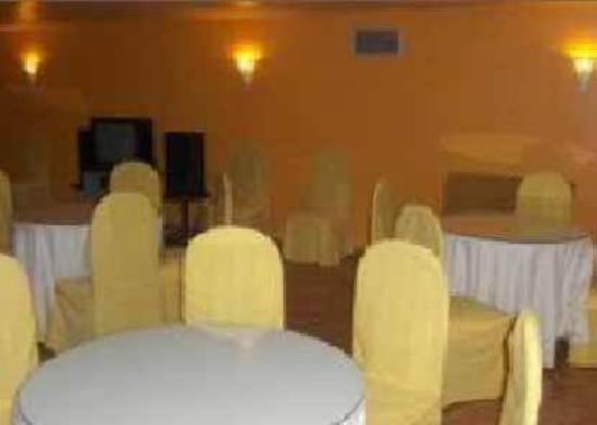 Las Estrellas Hotel: Meeting Room