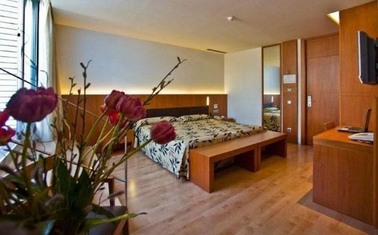 Lleo Hotel: Room