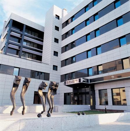 โรงแรมเอ็นเอช ซาน เซบาสเตียน เด ลอส เรเยส