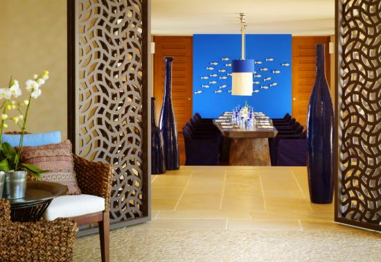 Blue Palace, a Luxury Collection Resort & Spa: Asia Blue Restaurant