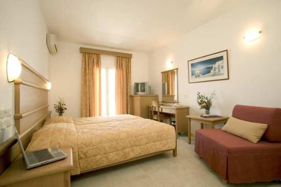 Yiannaki Hotel: Standard Room -OpenTravel Alliance - Guest Room-