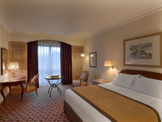 Sheraton Addis, a Luxury Collection Hotel: Junior Suite Bedroom