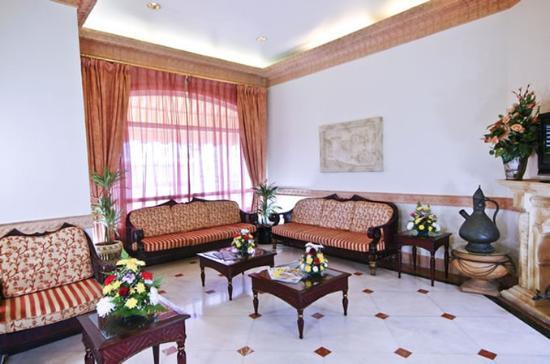 Landmark Suites Hotel: Lobby