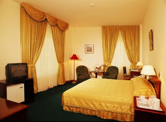 Highland City Hotel: STANDARDROOM
