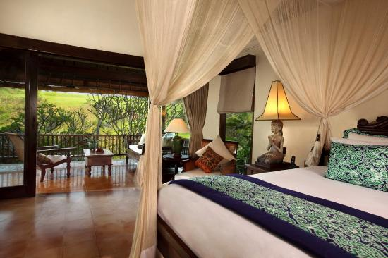 Warwick Ibah Luxury Villas & Spa: Bedrooms & Balconies