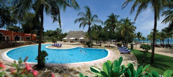 Diamonds Dream of Africa: The pool