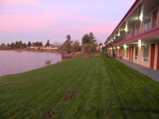 Lakeview Inn Centralia : Lake view