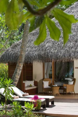 Kuramathi: Deluxe Beach Villa With Jacuzzi