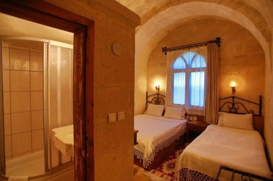 Hotel Surban: Guest room