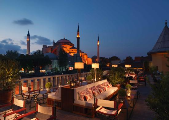 Four Seasons Hotel Istanbul at Sultanahmet: A'YA Lounge_Terrace