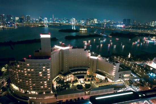 Hilton Tokyo Odaiba: Exterior View