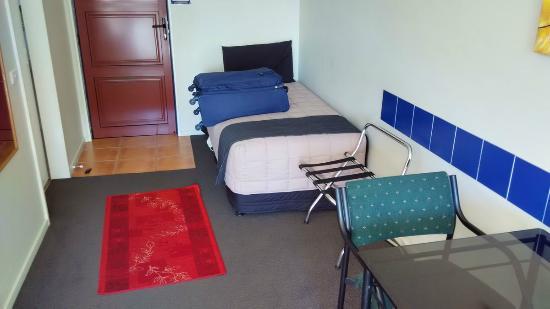 Palm Court Motel: Cama supletoria individual