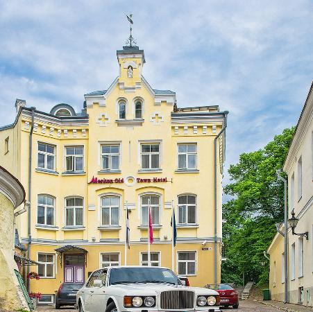 Meriton Old Town Hotel: SKTLLMER