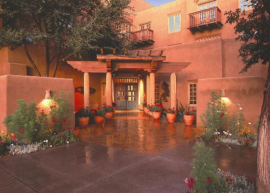 Hotel Santa Fe, The Hacienda and Spa: Hotel Entrance