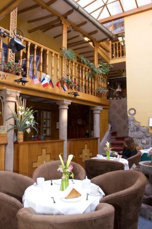 Los Apus Hotel & Mirador: Lobby view