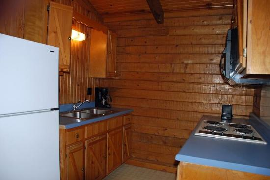 Eagle's View Cottages: INTELCADLog Cabins Br Kitchen