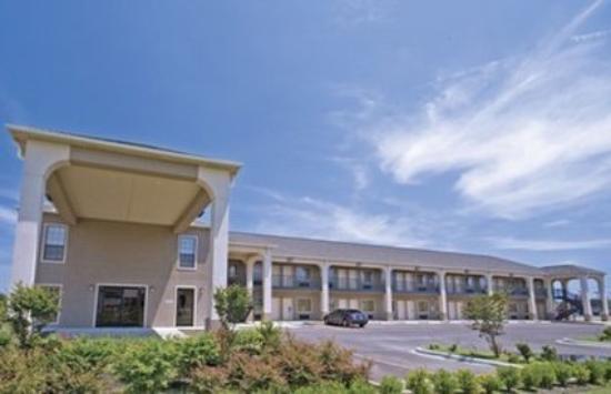 Photo of Homegate Inn & Suites West Memphis