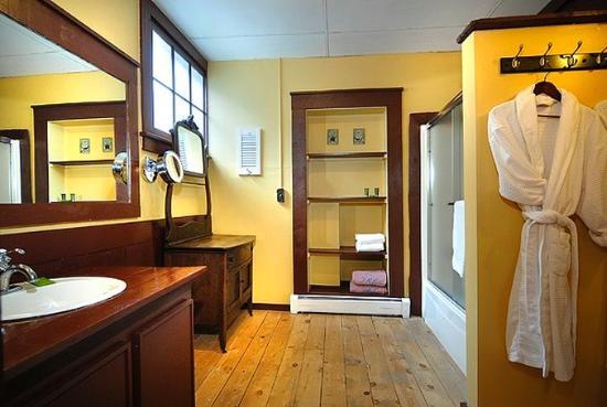 Purple Mountain Lodge Bed & Breakfast and Day Spa: Purple Mtn Teocallibath